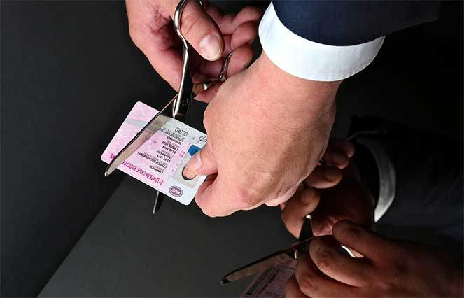 Что необходимо знать о просроченном водительском удостоверении и его замене
