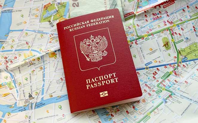 Можно ли летать по России с заграничным паспортом