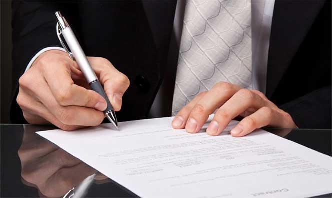 Как уволить иностранного работника, если закончился патент
